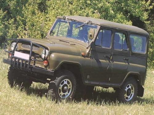 Фото автомобиля УАЗ 3151 1 поколение, ракурс: 45 цвет: зеленый