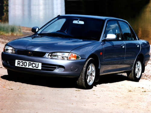 Фото автомобиля Proton Persona 400 1 поколение, ракурс: 45