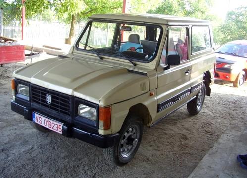 Фото автомобиля Aro 10 1 поколение, ракурс: 45