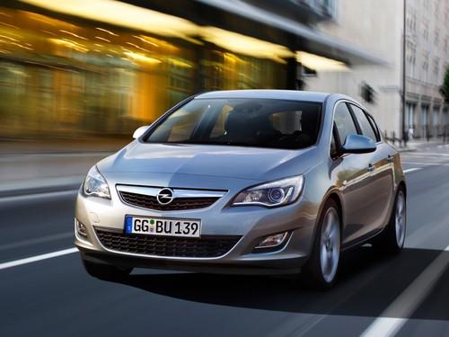 Фото автомобиля Opel Astra J, ракурс: 45