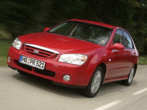Фото автомобиля Kia Cerato 1 поколение, ракурс: 45 цвет: красный