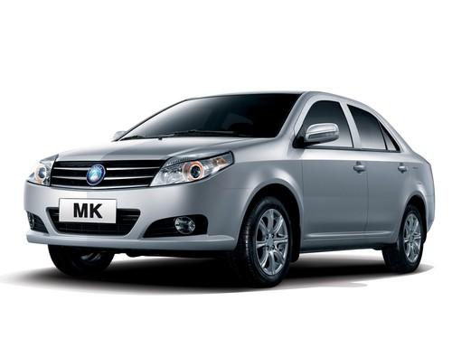 Фото автомобиля Geely MK 1 поколение [рестайлинг], ракурс: 45 цвет: серебряный
