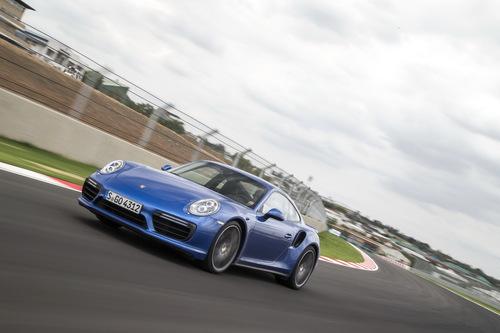 Фото автомобиля Porsche 911 991 [рестайлинг], ракурс: 45 цвет: синий