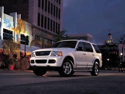Фото автомобиля Ford Explorer 3 поколение, ракурс: 45 цвет: белый