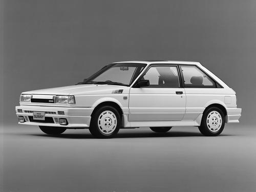 Фото автомобиля Nissan Sunny B12, ракурс: 45