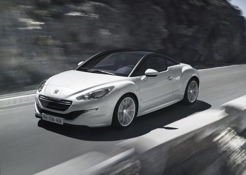 Фото автомобиля Peugeot RCZ 1 поколение [рестайлинг], ракурс: 45 цвет: белый