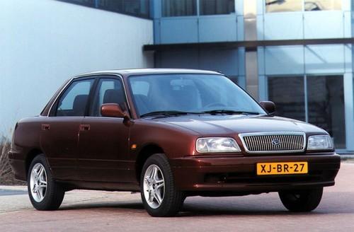 Фото автомобиля Daihatsu Applause 1 поколение [2-й рестайлинг], ракурс: 45