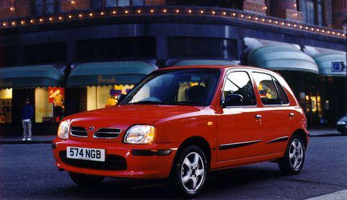 Фото автомобиля Nissan March K11 [рестайлинг], ракурс: 45 цвет: красный