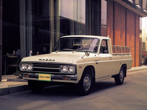 Фото автомобиля Mazda Proceed 1 поколение, ракурс: 45