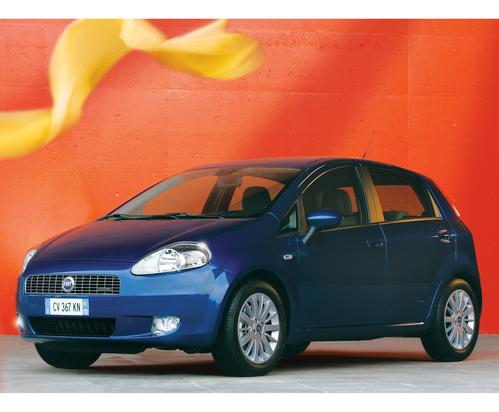 Фото автомобиля Fiat Punto 3 поколение, ракурс: 45