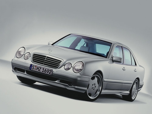 Фото автомобиля Mercedes-Benz E-Класс W210/S210 [рестайлинг], ракурс: 45