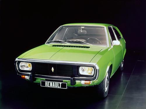 Фото автомобиля Renault 15 1 поколение, ракурс: 45