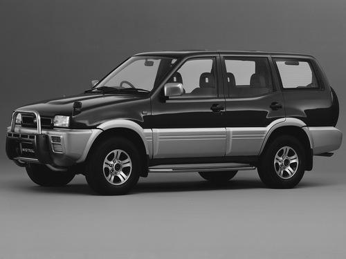 Фото автомобиля Nissan Mistral R20, ракурс: 45