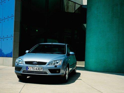 Фото автомобиля Ford Focus 2 поколение, ракурс: 45