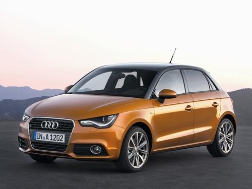 Фото автомобиля Audi A1 8X, ракурс: 45 цвет: оранжевый