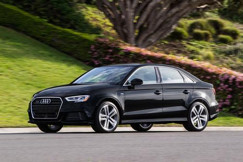 Фото автомобиля Audi A3 8V [рестайлинг], ракурс: 45 цвет: черный