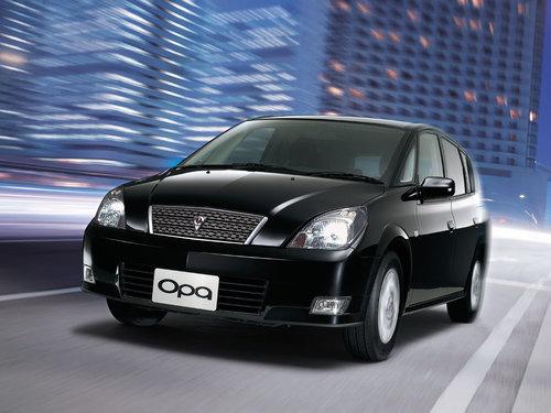 Фото автомобиля Toyota Opa 1 поколение, ракурс: 45
