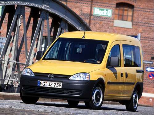 Фото автомобиля Opel Combo C, ракурс: 45