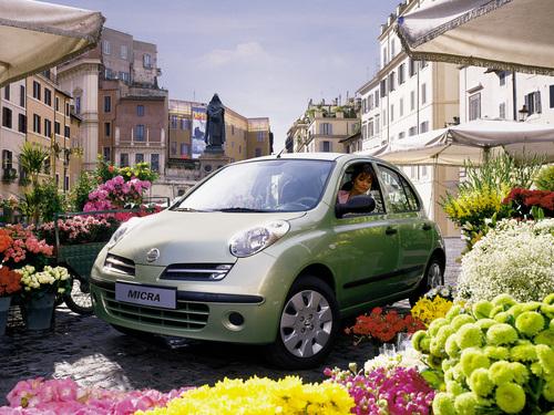 Фото автомобиля Nissan Micra K12, ракурс: 45 цвет: салатовый