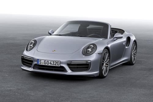 Фото автомобиля Porsche 911 991 [рестайлинг], ракурс: 45 цвет: серебряный