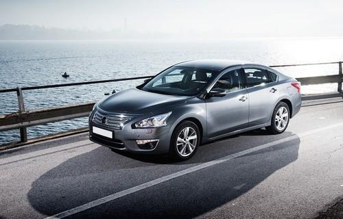 Фото автомобиля Nissan Teana L33, ракурс: 45 цвет: серый