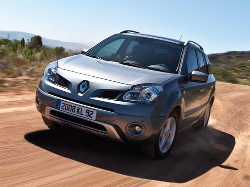 Фото автомобиля Renault Koleos 1 поколение, ракурс: 45 цвет: серебряный