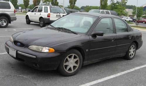 Фото автомобиля Ford Contour 1 поколение, ракурс: 45