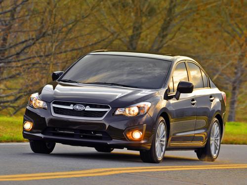 Фото автомобиля Subaru Impreza 4 поколение, ракурс: 45 цвет: вишневый