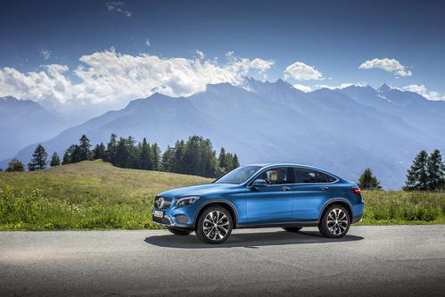 Фото автомобиля Mercedes-Benz GLC-Класс X253/C253, ракурс: 45 цвет: синий