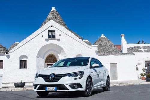 Фото автомобиля Renault Megane 4 поколение, ракурс: 45 цвет: белый