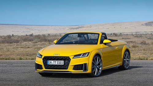 Фото автомобиля Audi TT 8S [рестайлинг], ракурс: 45 цвет: желтый