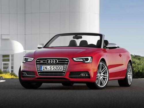 Фото автомобиля Audi S5 8T [рестайлинг], ракурс: 45 цвет: красный