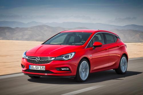 Фото автомобиля Opel Astra K, ракурс: 45 цвет: красный