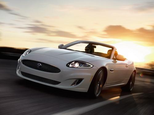 Фото автомобиля Jaguar XK X150 [2-й рестайлинг], ракурс: 45 цвет: белый
