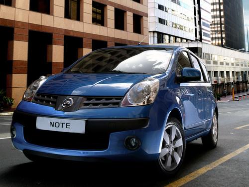 Фото автомобиля Nissan Note E11, ракурс: 45 цвет: синий
