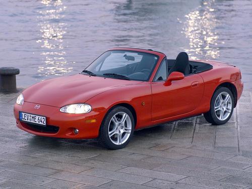 Фото автомобиля Mazda MX-5 NB [рестайлинг], ракурс: 45