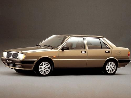 Фото автомобиля Lancia Prisma 1 поколение, ракурс: 45