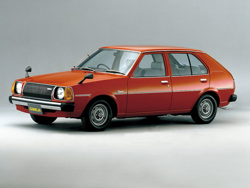 Фото автомобиля Mazda Familia FA, ракурс: 45