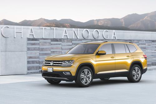 Фото автомобиля Volkswagen Teramont 1 поколение, ракурс: 45 цвет: желтый