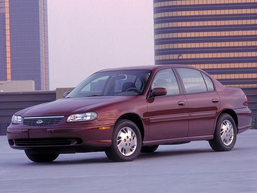 Фото автомобиля Chevrolet Malibu 2 поколение, ракурс: 45