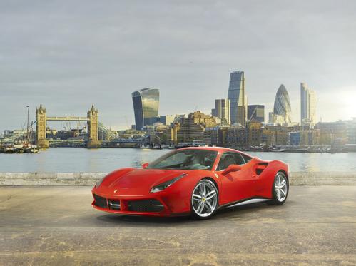 Фото автомобиля Ferrari 488 1 поколение, ракурс: 45 цвет: оранжевый