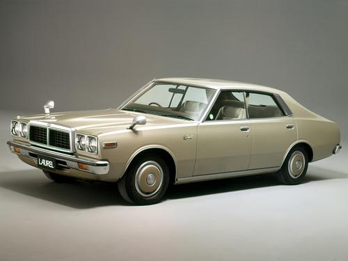 Фото автомобиля Nissan Laurel C230, ракурс: 45