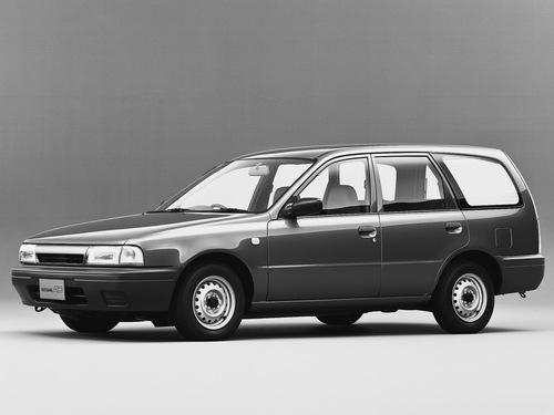 Фото автомобиля Nissan AD Y10, ракурс: 45