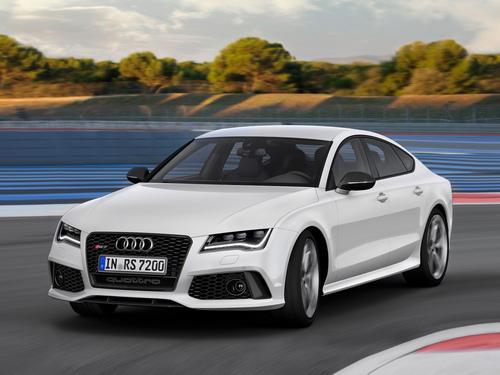 Фото автомобиля Audi RS 7 4G, ракурс: 45 цвет: белый