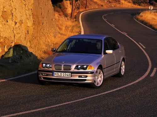 Фото автомобиля BMW 3 серия E46, ракурс: 45 цвет: серебряный