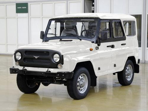 Фото автомобиля УАЗ Hunter 1 поколение, ракурс: 45 цвет: белый