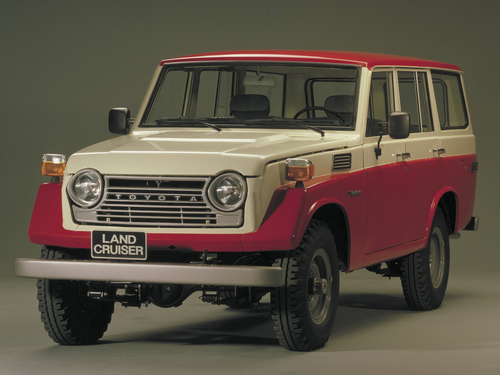 Фото автомобиля Toyota Land Cruiser J40/J50, ракурс: 45