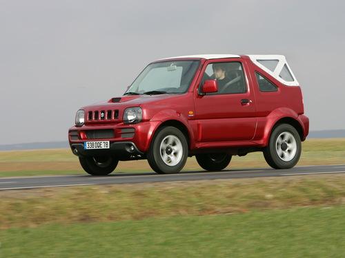 Фото автомобиля Suzuki Jimny 3 поколение [рестайлинг], ракурс: 45
