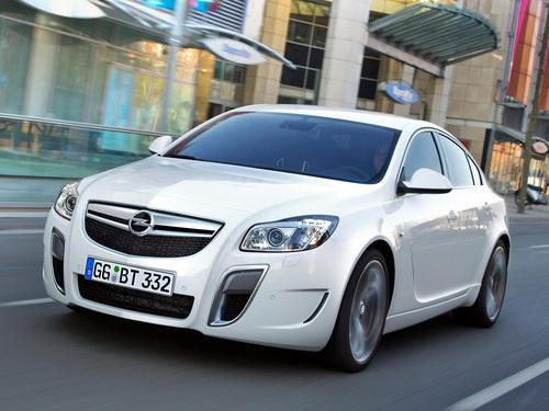 Фото автомобиля Opel Insignia A, ракурс: 45 цвет: белый