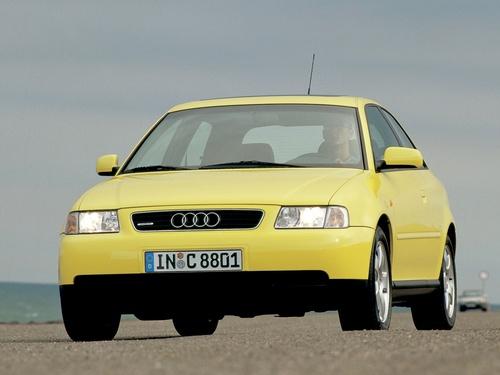 Фото автомобиля Audi A3 8L, ракурс: 45
